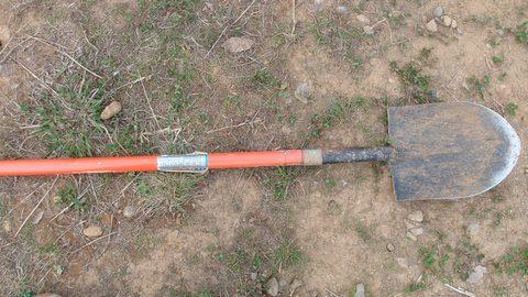 shovel0518.jpg